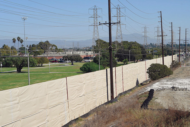 16 -foot barrier fence